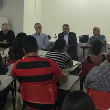 Sem salários nem 13º, trabalhadores do Diario de Pernambuco decretam greve